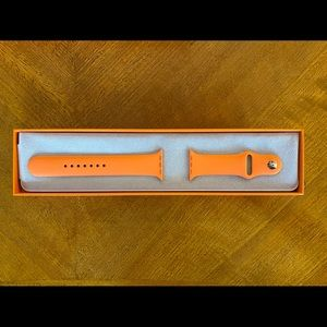 Hermès Apple Watch orange silicone band 44 mm